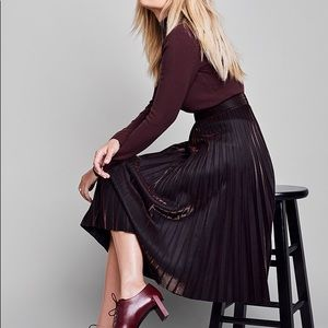 Metallic copper midi pleated skirt